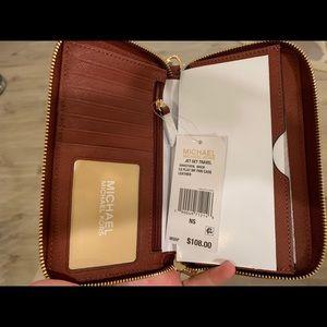 Brand New Michael Kors Wallet Wristlet